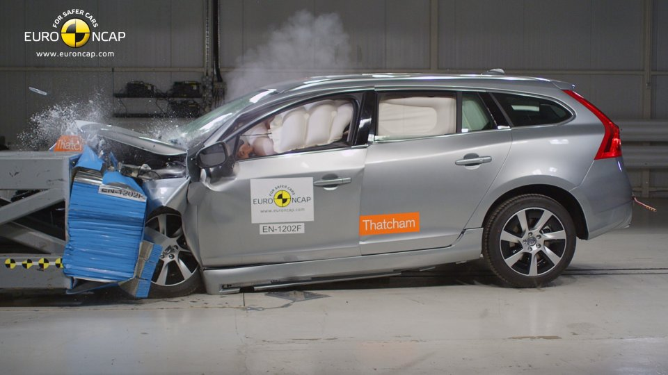 Volvo V60 Plug-in Hybrid Crash Test NCAP 2012